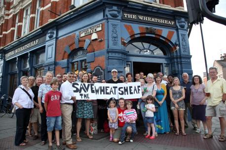 Campaigners outside The Wheatsheaf - Wandsworth Guardian 20/08/2013